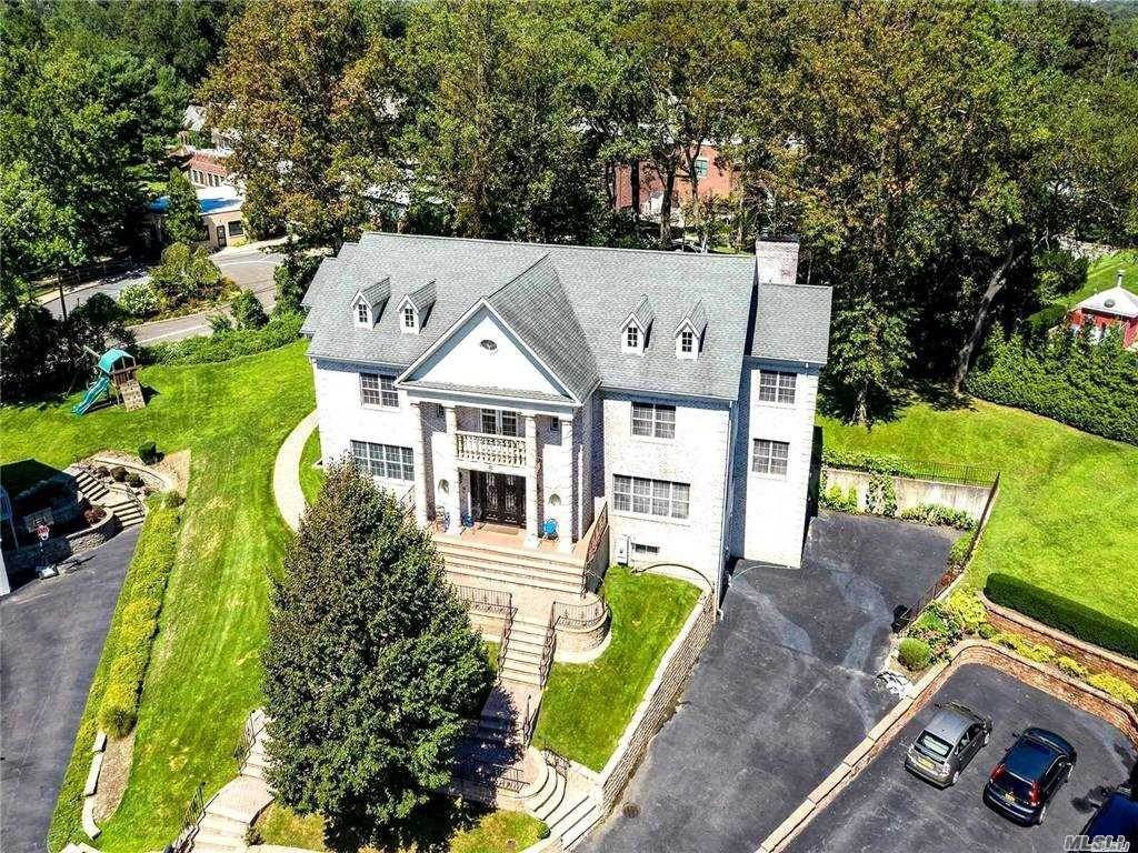 Residential for Sale at 30 Roseanne Drive, Roslyn, NY 11576 Roslyn, New York 11576 United States