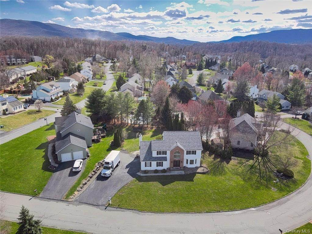 Residential للـ Sale في 101 Pelham Drive Cornwall, New York 12518 United States