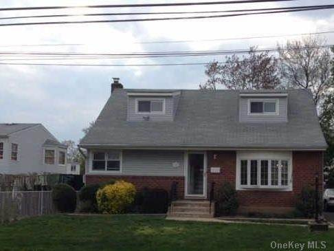 Residential Lease at 118 Lincoln Street # 1, Elmont, NY 11003 Elmont, New York 11003 United States