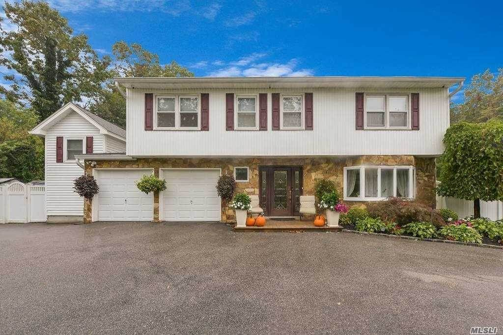 Residential for Sale at 2 Alfred Lane, Kings Park, NY 11754 Kings Park, New York 11754 United States