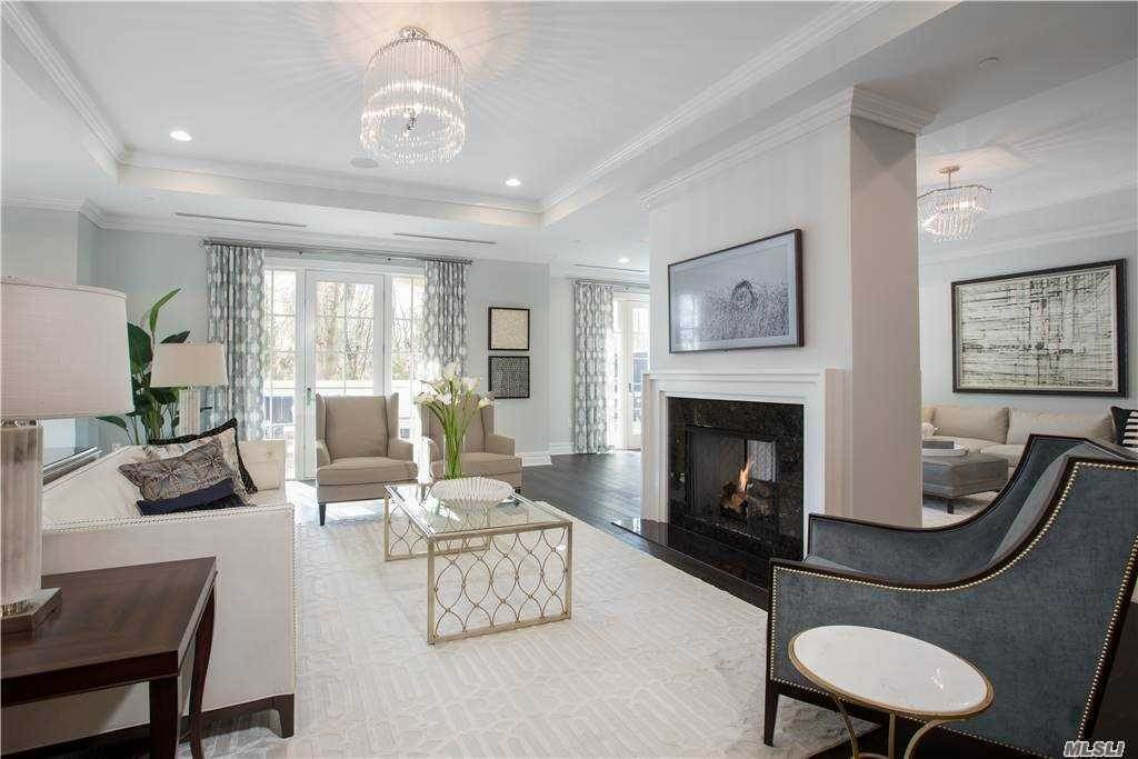 Residential for Sale at 3000 Royal Court # 3111, North Hills, NY 11040 North Hills, New York 11040 United States