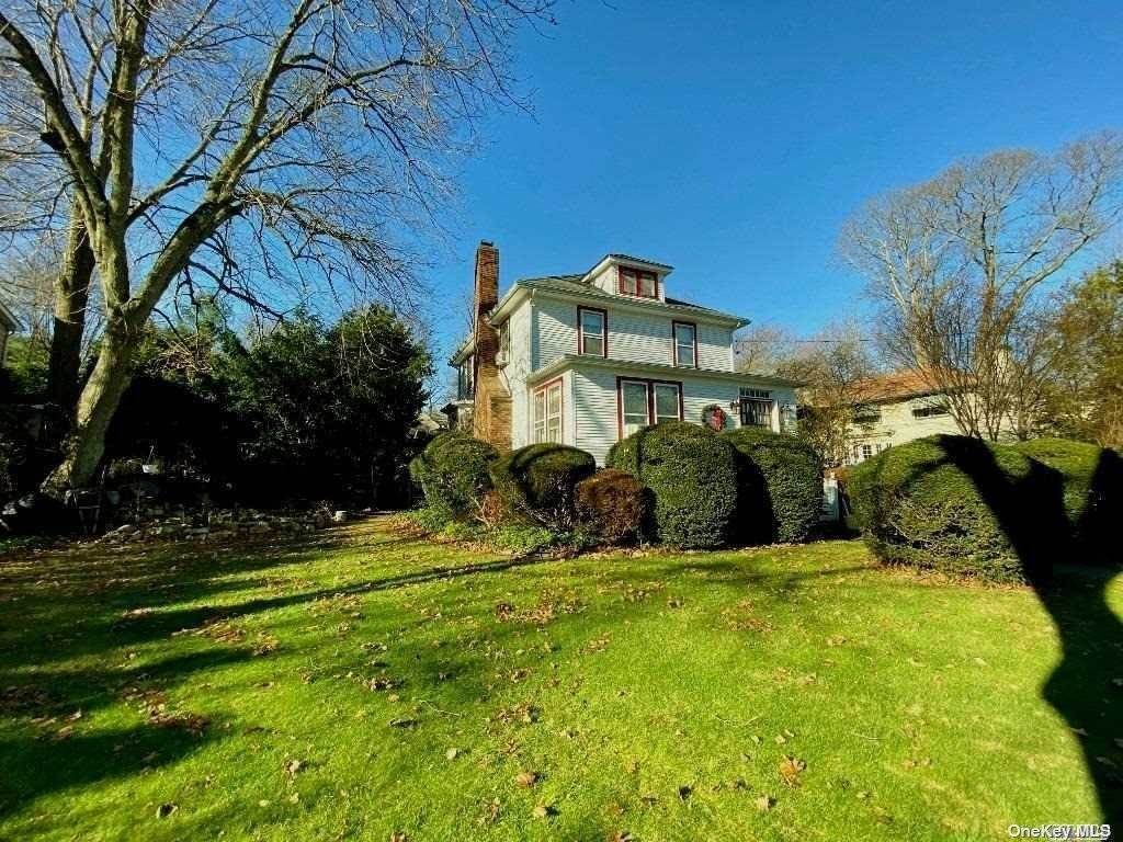 Residential for Sale at 9 Roslyn Drive Glen Head, New York 11545 United States