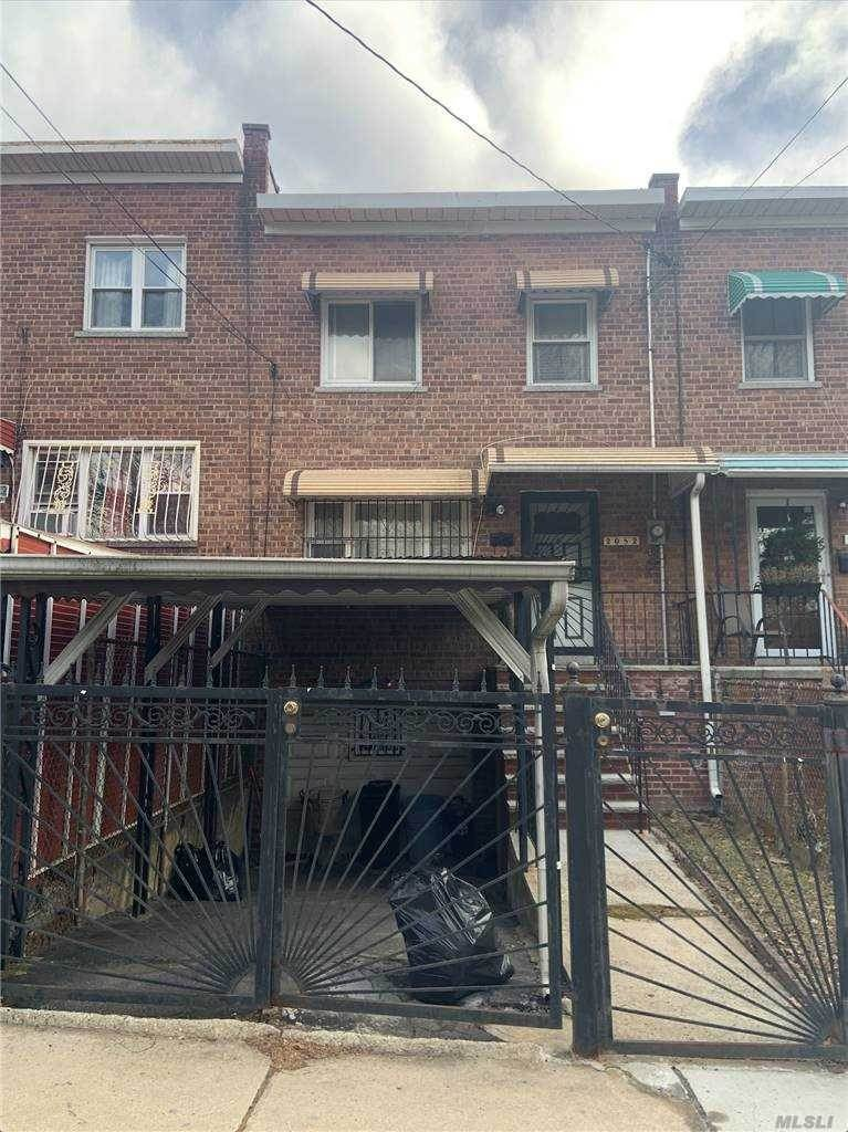 Residential for Sale at 2082 Pitman Ave, Bronx, NY 10466 Wakefield, New York 10466 United States