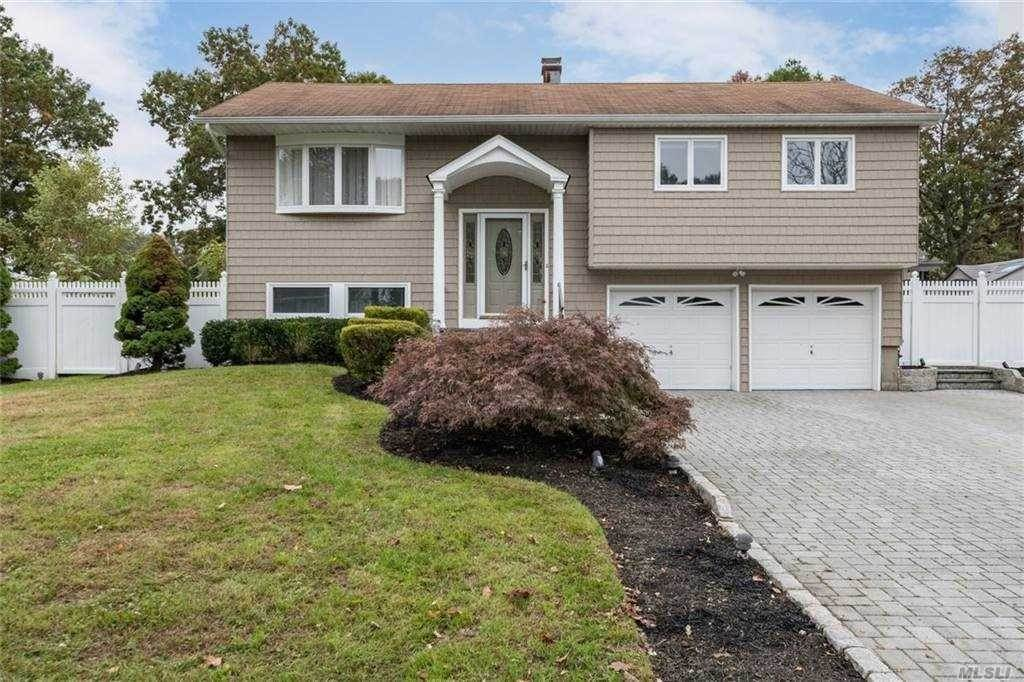 Residential for Sale at 11 Satellite Drive, Islip Terrace, NY 11752 Islip Terrace, New York 11752 United States