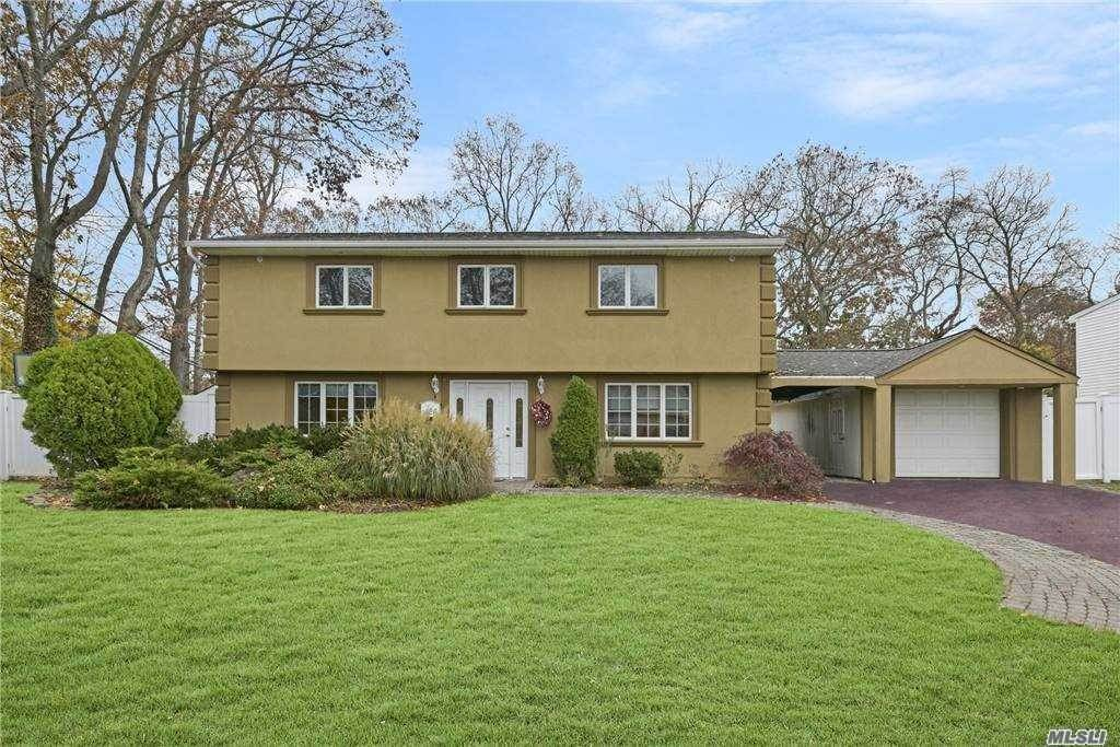 Residential for Sale at 24 Oxford Road Old Bethpage, New York 11804 United States