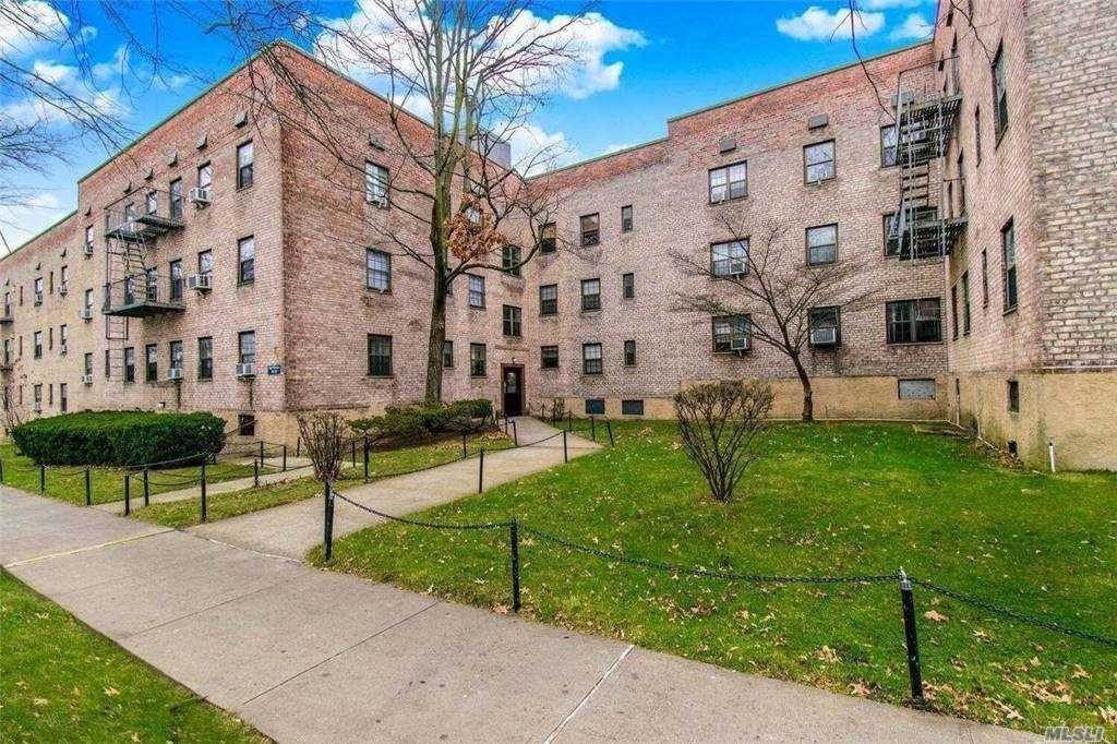 Residential Lease at 78-37 Main Street # 1F Kew Gardens Hills, New York 11367 United States