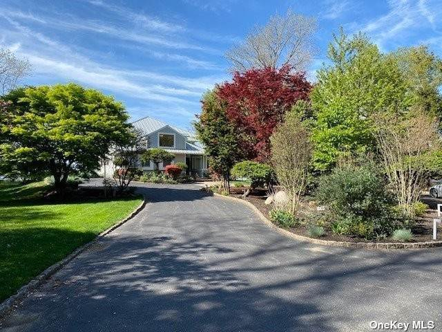 Residential for Sale at 1 Bluff Road Nissequogue, New York 11780 United States