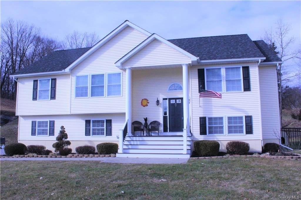 Residential for Sale at 2 Horse Shoe Court, Goshen, NY 10924 Goshen, New York 10924 United States