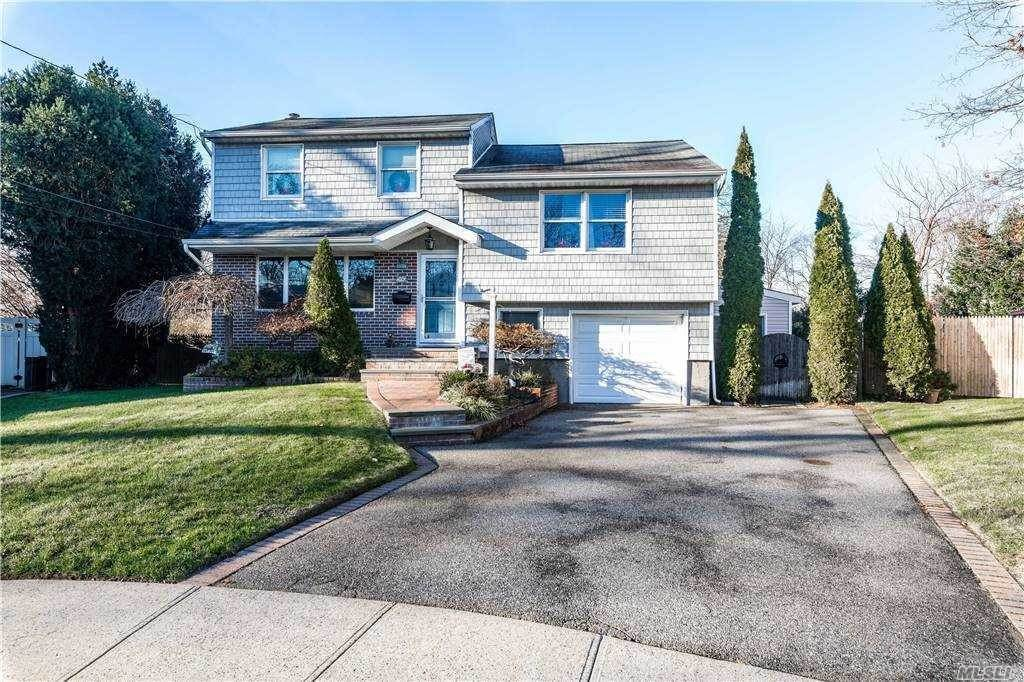 Residential for Sale at 1930 Quintus Drive North Bellmore, New York 11710 United States