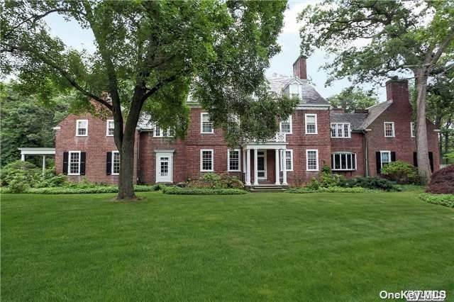 Residential for Sale at 473 Woodbury Road, Cold Spring Hrbr, NY 11724 Cold Spring Harbor, New York 11724 United States