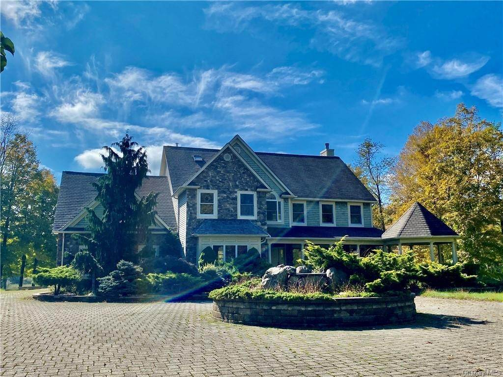Residential for Sale at 14 Stonewall Court Warwick, New York 10990 United States