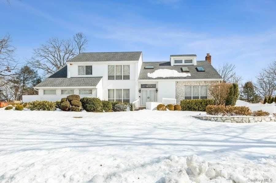 Residential for Sale at 6 Brandon, Commack, NY 11725 Commack, New York 11725 United States
