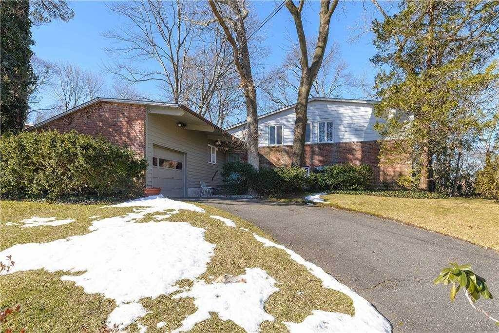 Residential for Sale at 51 Gabriele Drive East Norwich, New York 11732 United States