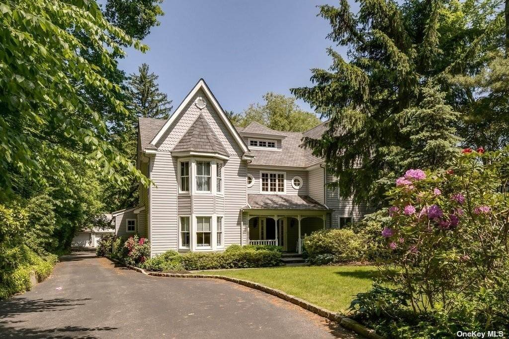 Residential for Sale at 27 Kaintuck Lane Locust Valley, New York 11560 United States