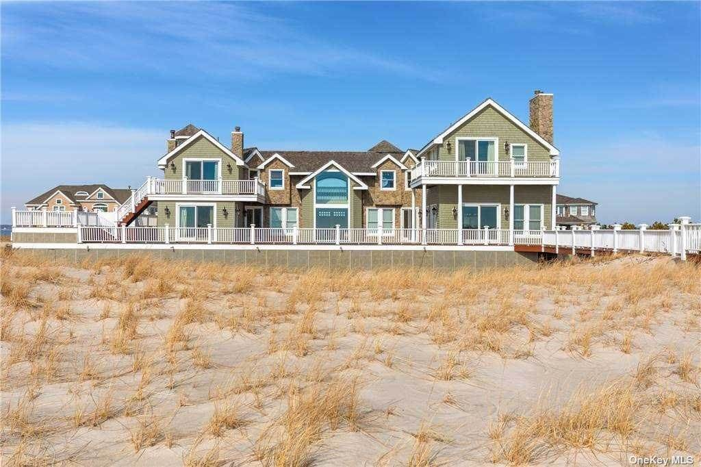 Residential for Sale at 777 Dune Road Other Areas, New York 11978 United States