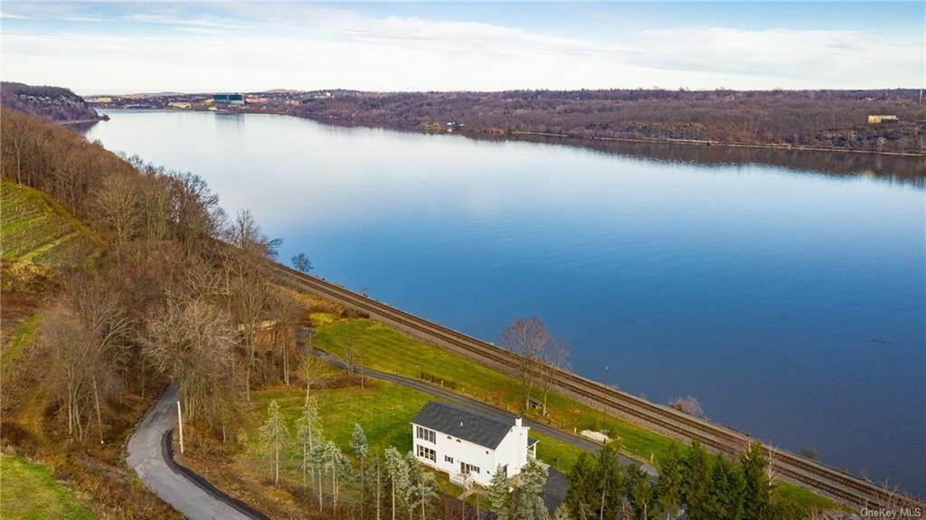 Residential for Sale at 12 Sands Dock Road, Marlboro, NY 12547 Milton, New York 12547 United States
