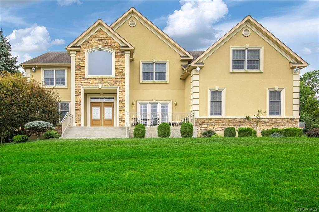 Residential for Sale at 41 Powder Horn Drive Suffern, New York 10901 United States