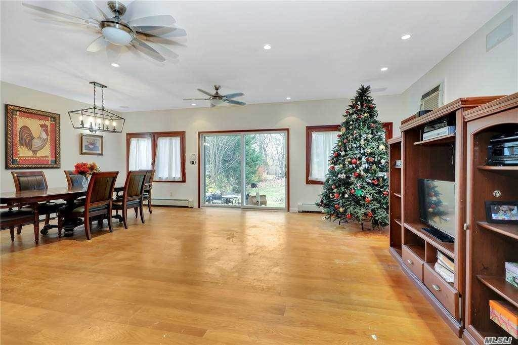 Residential for Sale at 77 Floyd Place East Norwich, New York 11732 United States