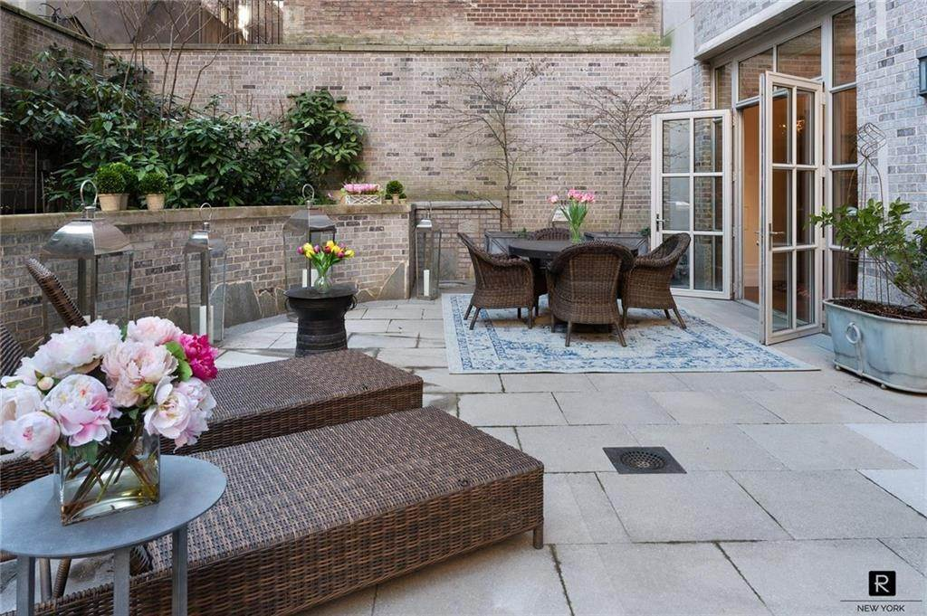 Residential for Sale at 135 E 79th Street # MAIS-E New York, New York 10075 United States