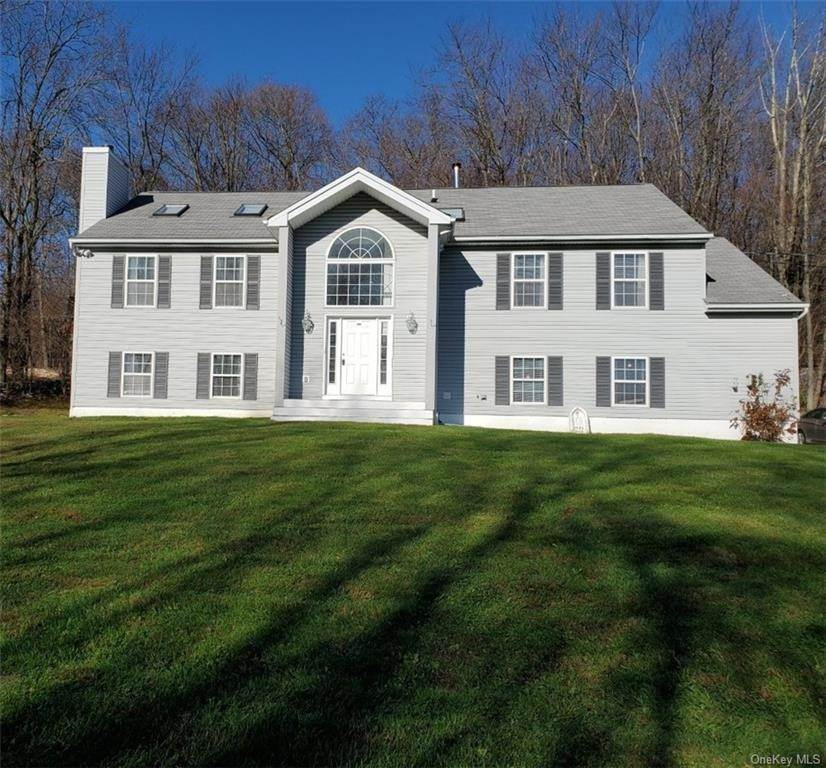 Residential for Sale at 100 Greenway Terrace S Mahopac, New York 10541 United States