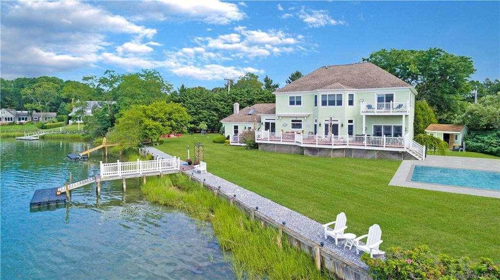 Residential for Sale at 1580 N Bayview Road Southold, New York 11971 United States