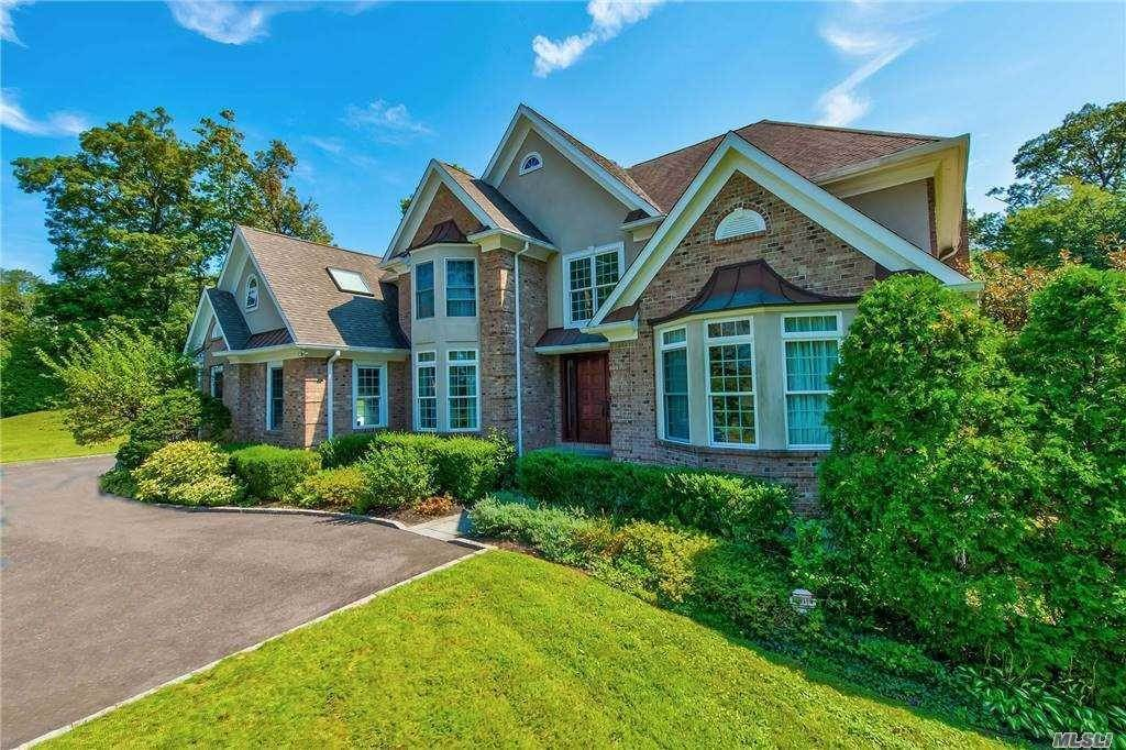 Residential for Sale at 2 Pond View Drive, Glen Cove NY 11542 Glen Cove, New York 11542 United States