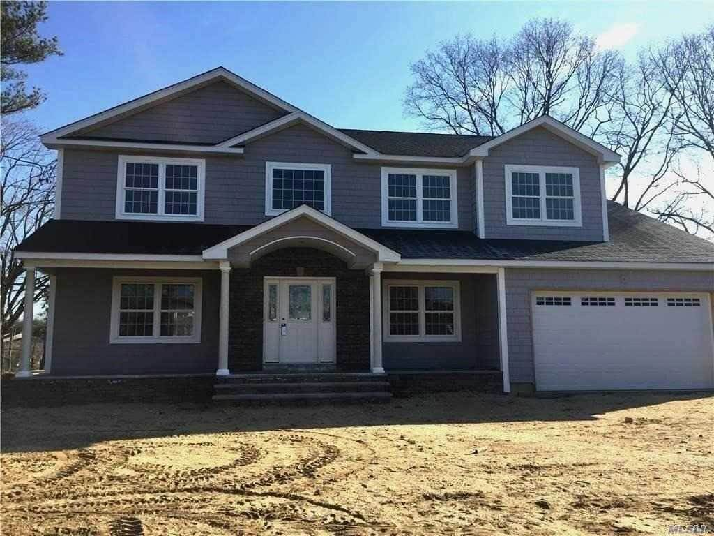 Residential for Sale at 3 Pickwick Drive Old Bethpage, New York 11804 United States