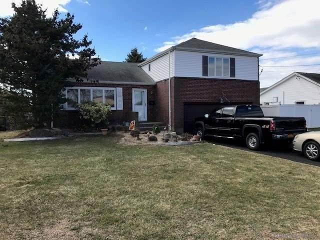 Residential for Sale at 22 Elgin Road Amity Harbor, New York 11701 United States