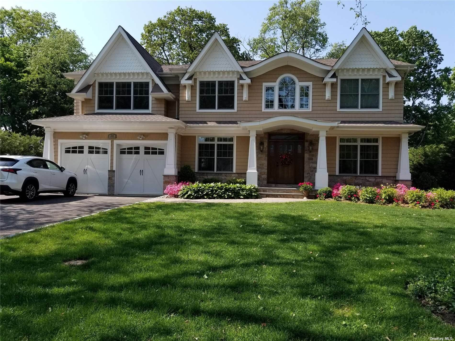 Residential for Sale at 38 Sycamore Drive S Roslyn, New York 11576 United States