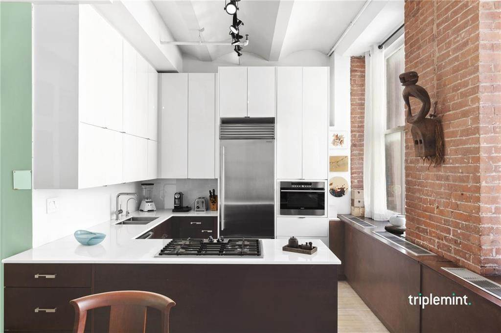 Residential Lease الساعة 439 Lafayette Street # C New York, New York 10003 United States