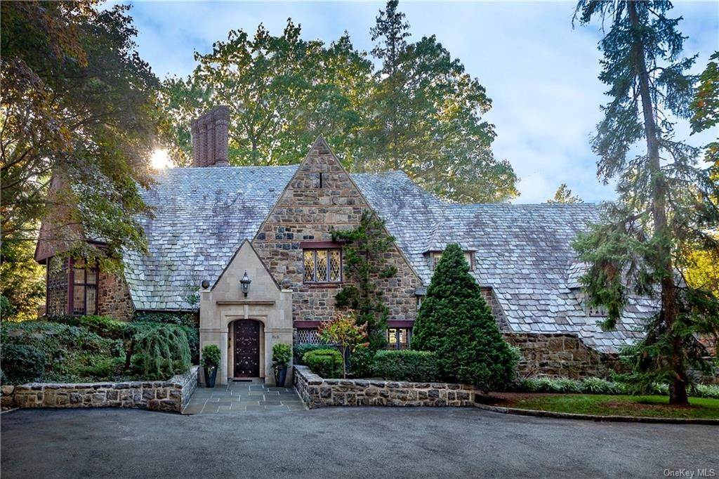 Residential for Sale at 3 Elm Rock Road Bronxville, New York 10708 United States