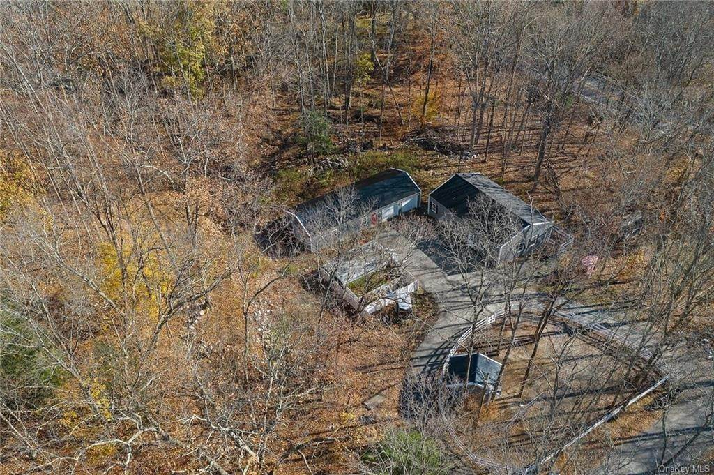 Residential for Sale at 4 Brandt Road Cuddebackville, New York 12729 United States