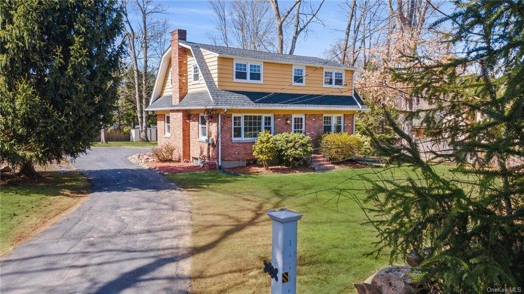 Residential for Sale at 467 N Little Tor Road New City, New York 10956 United States