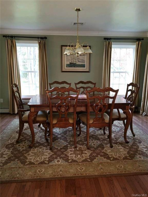 10. Residential for Sale at 11 Racoon Lane Cornwall, New York 12518 United States
