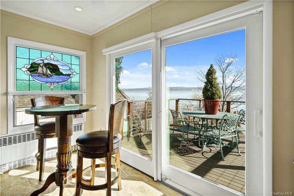 10. Residential for Sale at 5 Edgewater Lane Nyack, New York 10960 United States