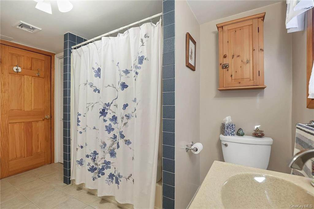 11. Residential for Sale at 195 Parrott Road West Nyack, New York 10994 United States