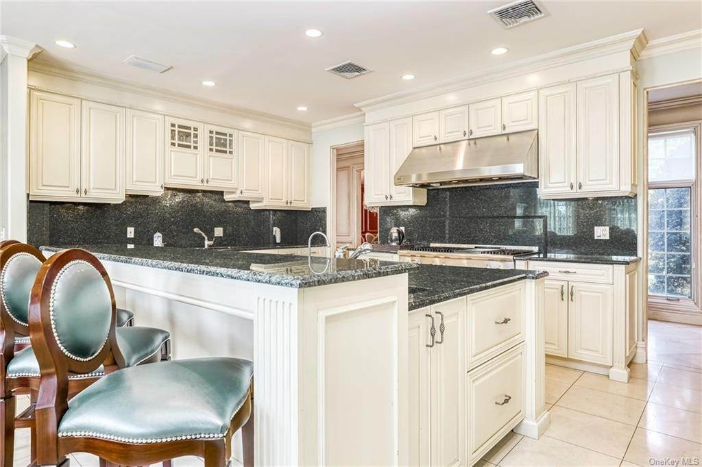 11. Residential for Sale at 344 Pleasant Hill Drive New City, New York 10956 United States