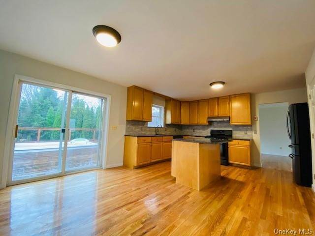 11. Residential for Sale at 101 Pelham Drive Cornwall, New York 12518 United States