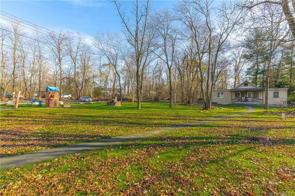 12. Residential Income for Sale at 191 W Clarkstown Road New City, New York 10956 United States