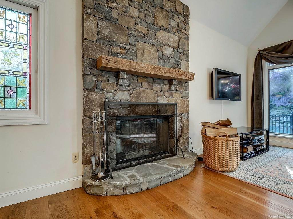 13. Residential for Sale at 21 Waterbury Road Warwick, New York 10990 United States