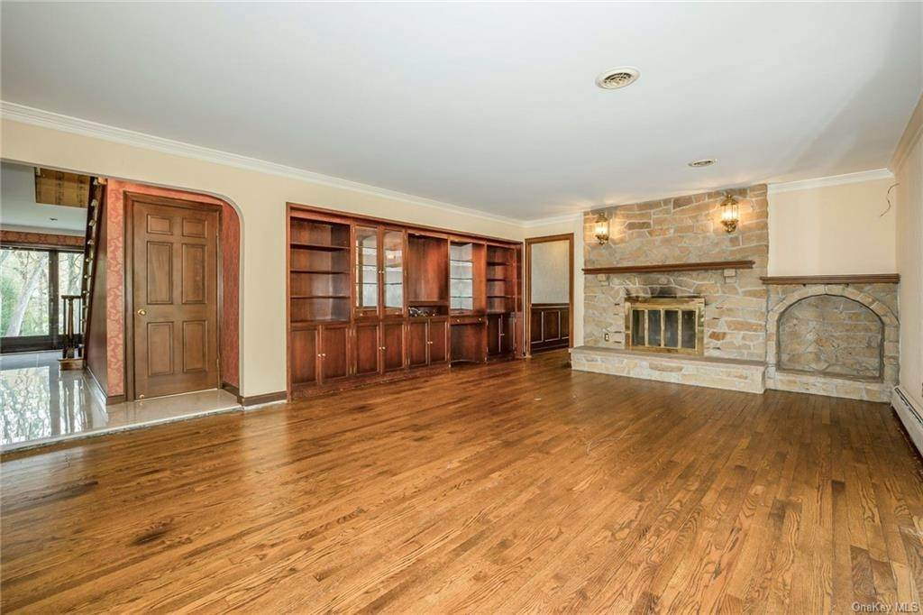 13. Residential for Sale at 1A Century Road Palisades, New York 10964 United States