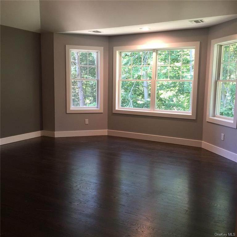13. Residential for Sale at 226 S Greenbush Road Orangeburg, New York 10962 United States