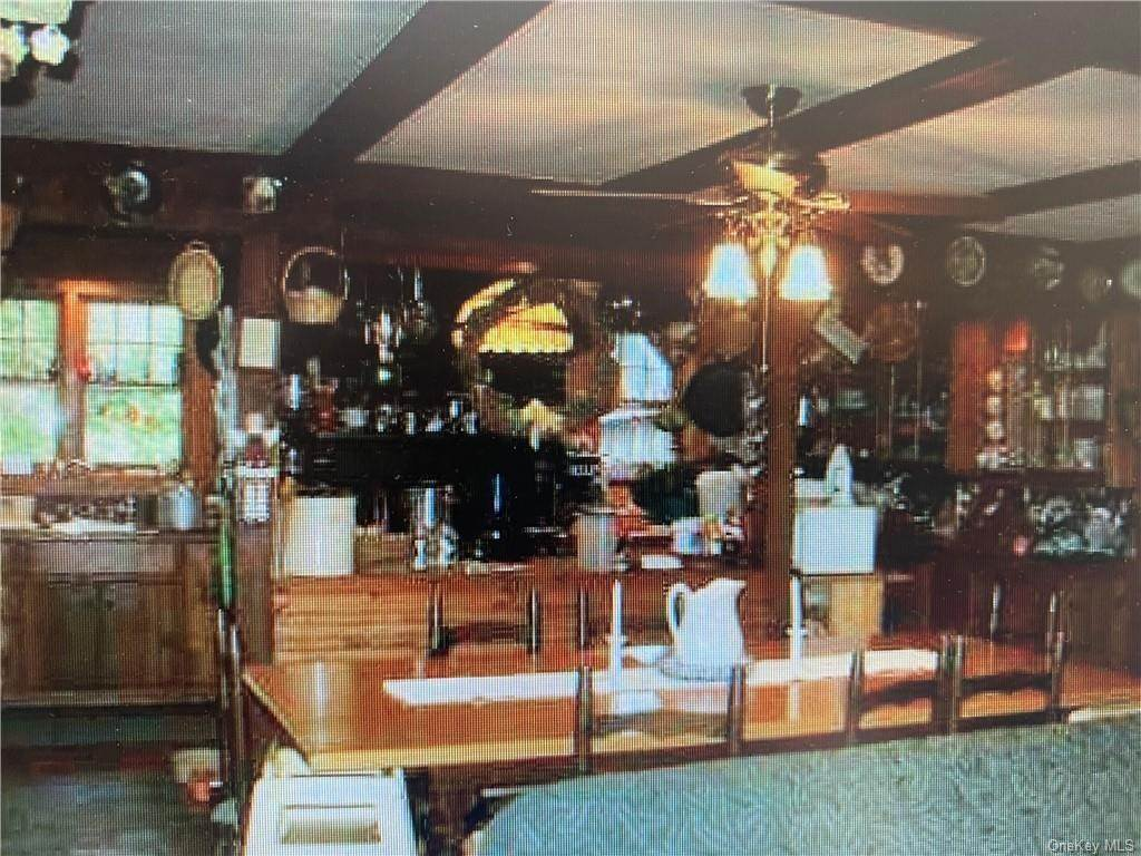13. Residential Income for Sale at 54 Jessup Road Warwick, New York 10990 United States