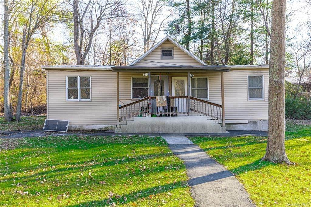13. Residential Income for Sale at 191 W Clarkstown Road New City, New York 10956 United States