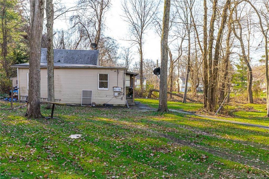 14. Residential Income for Sale at 191 W Clarkstown Road New City, New York 10956 United States