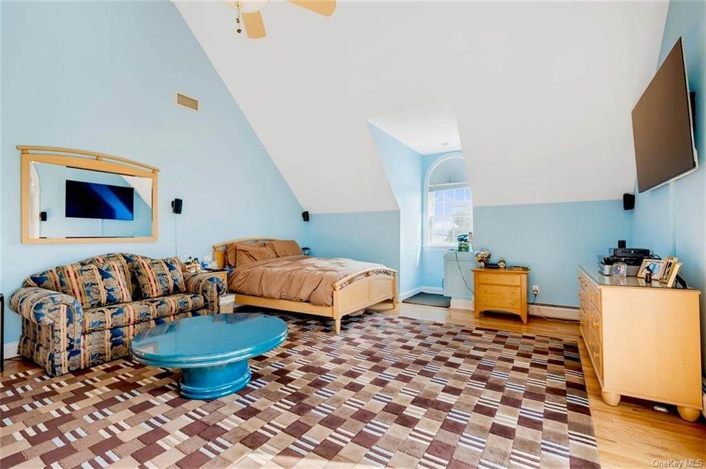 15. Residential for Sale at 732 Piermont Avenue Piermont, New York 10968 United States
