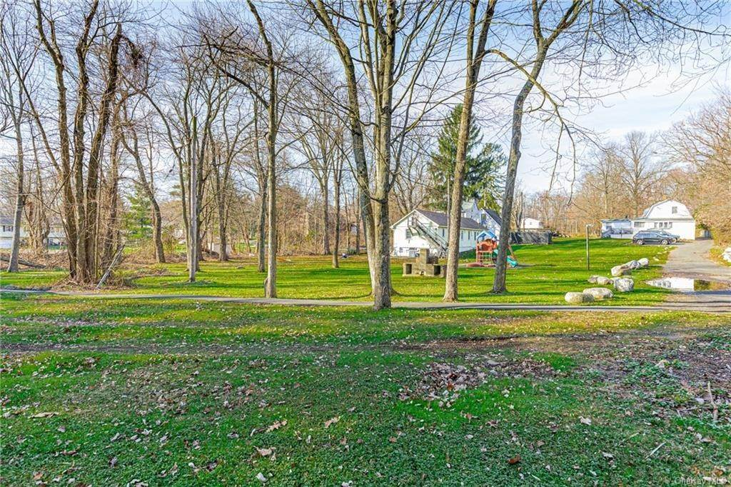 15. Residential Income for Sale at 191 W Clarkstown Road New City, New York 10956 United States