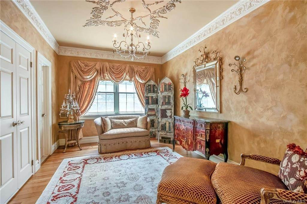18. Residential for Sale at 17 Wee Wah Road Tuxedo Park, New York 10987 United States