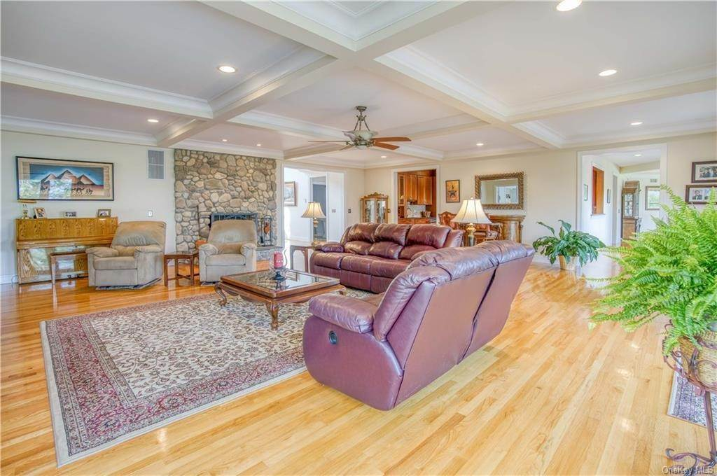 19. Residential for Sale at 200 Mine Hill Road, Cornwall, NY 12518 Cornwall, New York 12518 United States
