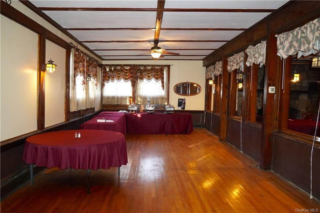 19. Residential for Sale at 117 Sleepy Valley Road Warwick, New York 10990 United States